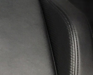 フィット感の強い座面