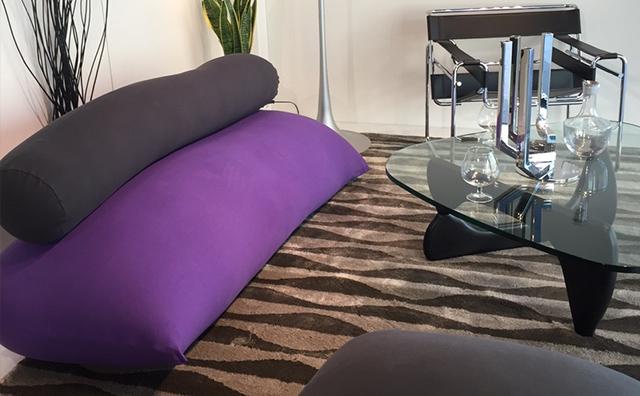 リビングにソファとして設置したヨギボーマックス