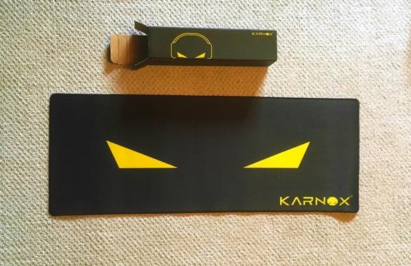 KARNOXのマウスパッド